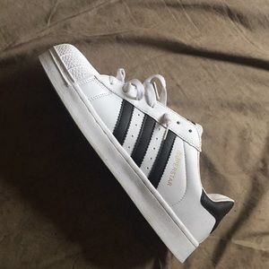 Nice clean adidas shell toes‼️💯 ONLY WORN ONCE